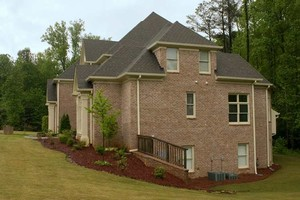 Right Photo by DFD House Plans